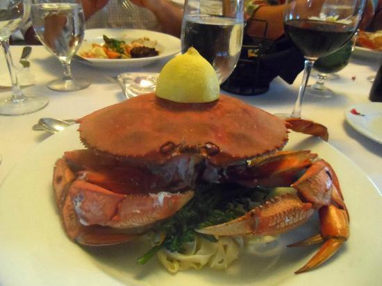 Dent Island Lodge: Dinner -- yum!
