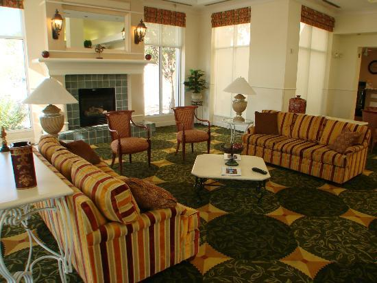 Hilton Garden Inn Albuquerque North/Rio Rancho: pleasant lobby
