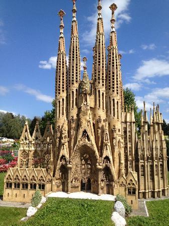 Minimundus gaudi church barcelona picture of for Gaudi kathedrale barcelona