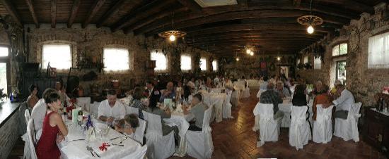Buttrio, Italien: allestimento sala