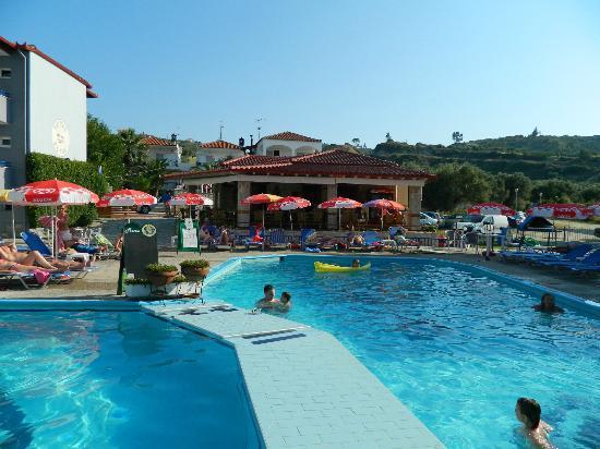 Royal Hotel : Pool area
