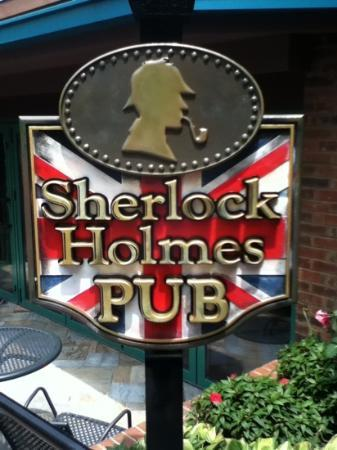 Sherlock Holmes Pub: come have a pint!