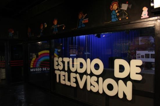Museo de los Ninos (Children's Museum) : el estudio de TV