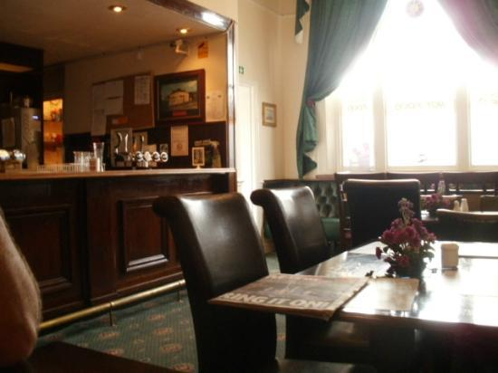 Palatine Hotel Liverpool: the dining room/bar