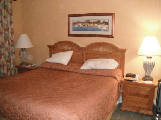 Turtle Cay Resort: Master Bedroom