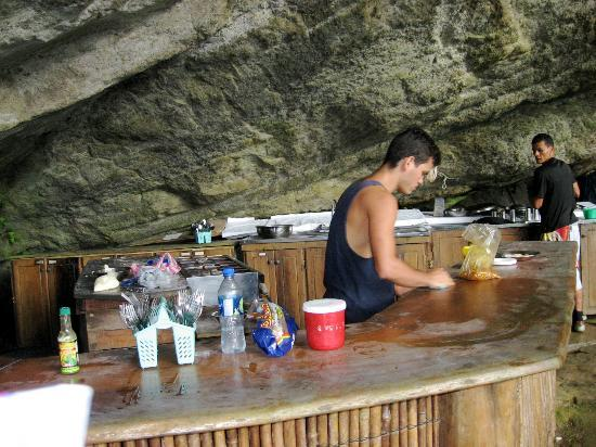 Pacific Journeys : A gas stove?  Are you kidding?  And the food was great!