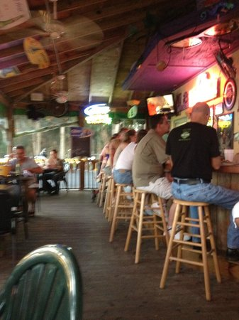 Miss Vicki's On the River: Chilin at the Bar