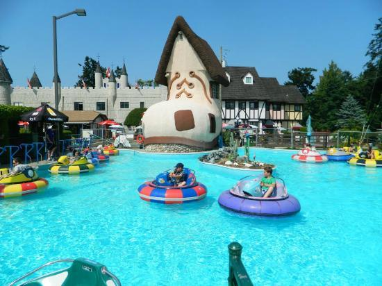 Paradise Seashell Motel: Receive Free Mini Golf  & '2 For 1' Bumper Boats when Paradise Fun Park is open