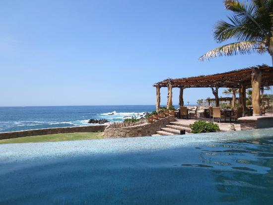 Esperanza - Auberge Resorts Collection: Another spectacular pool view..