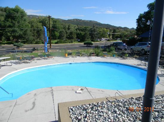 Silver Saddle Motel: The Pool