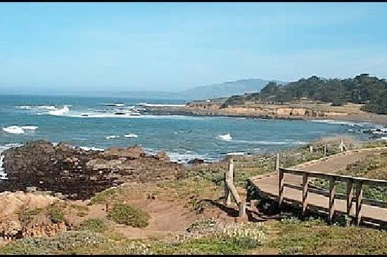 Cambria Ca The Mile Long Moonstone Beach Boardwalk Is Perfect Way To