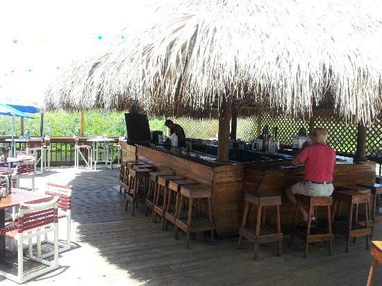 Jack Willie's Tiki Bar & Restaurant: Tiki Bar