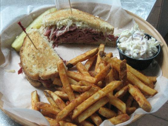 Jack Willie's Tiki Bar & Restaurant: Reuben