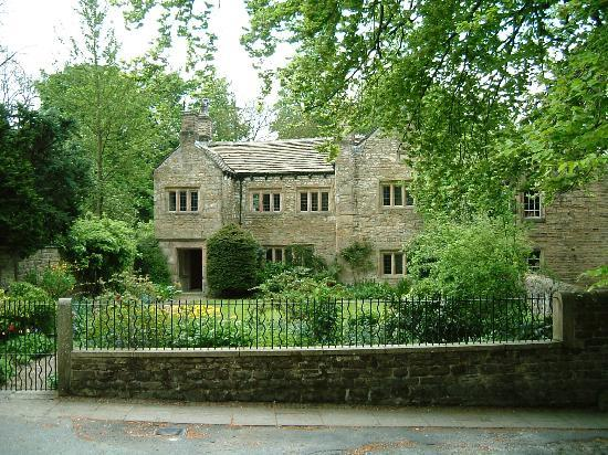 ‪Pendle Heritage Centre‬
