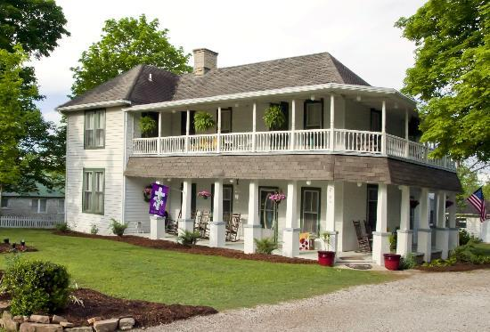 Ozark Country Inn Bed & Breakfast: Ozark Country Inn Mountain View Arkansas