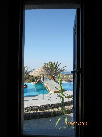 Caldera View Bungalow Resort: Окно в отпуск