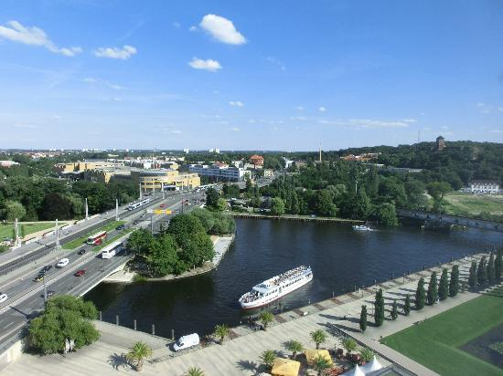 Mercure Hotel Potsdam City: Aussicht aus Zimmer 15 Stock Richtung Hbf.