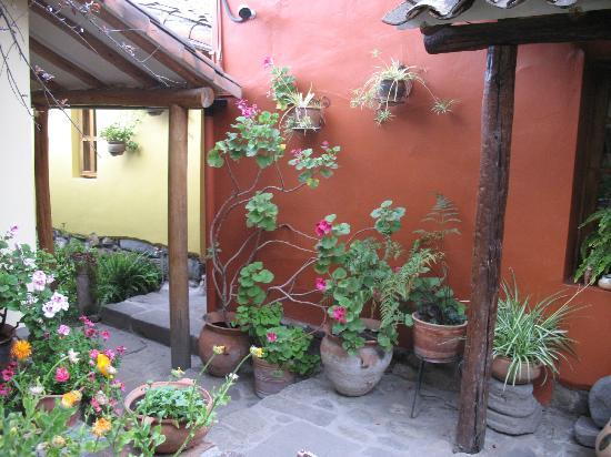 Llipimpac: Detalle de uno de los patios
