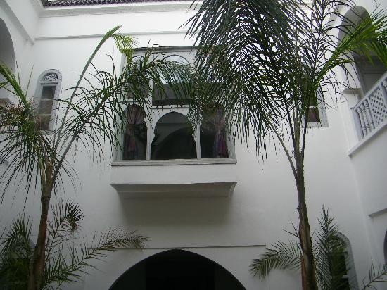 Riad El Kenz: Fenêtre de la chambre