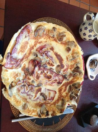 Ty Mawr B&B and Tea Room: The Dutch Pancake