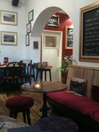 The Heights Bar & Kitchen: relaxing music