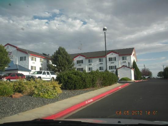 Inn America A Budget Motel: Inn view