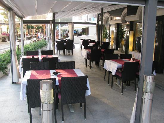 Milenij Hotel : Dining