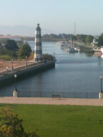 Hampton Inn and Suites Suisun City Waterfront: The Lighthouse-Waterfront View from room