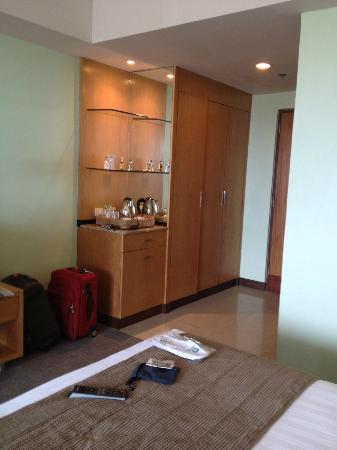 Sotogrande Hotel & Resort: bar in the room