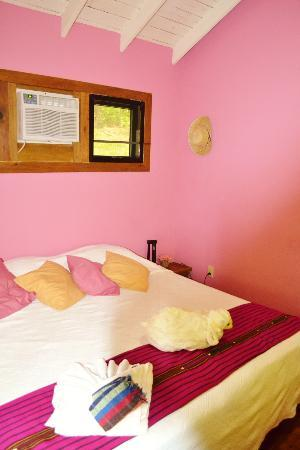 Villagio Verde: Nice AC room