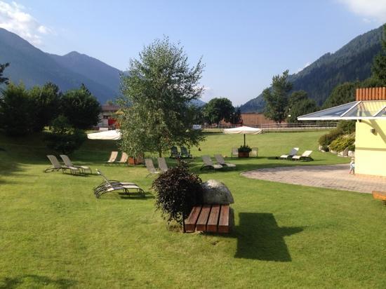 Centro Pineta Family Hotel & Wellness: giardino