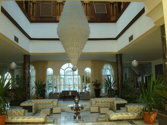 Ramada Liberty Resort Hotel : entrée
