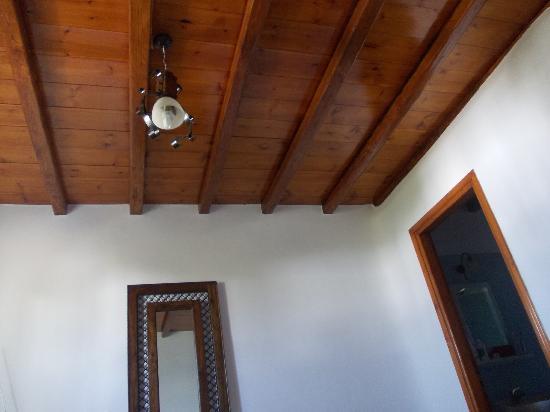 Soffitto in legno foto di daktilidis village kalafatis for Soffitto della cattedrale di legno