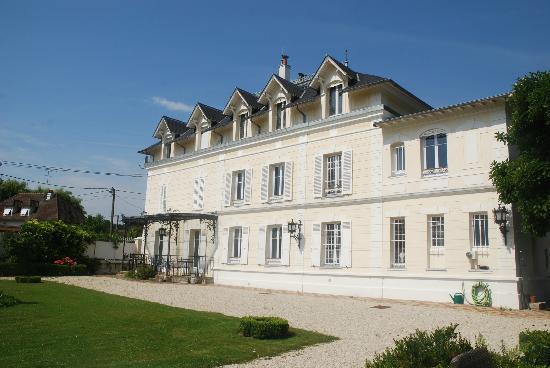 Castel Morin: main house
