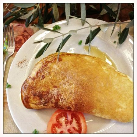 Gooding's Groves Olive Farm & Guest House: Omlete - made with fresh produce ! Yummy