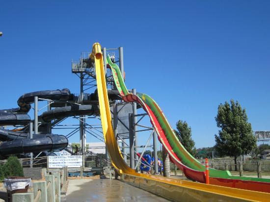Raging Rivers Waterpark: Speed Slides