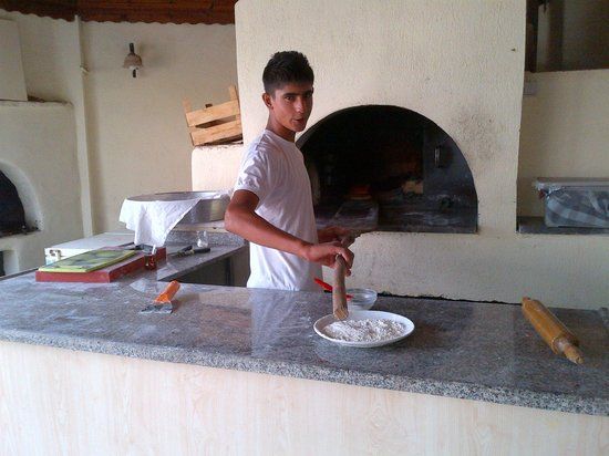 Koseoglu Hotel: bread making