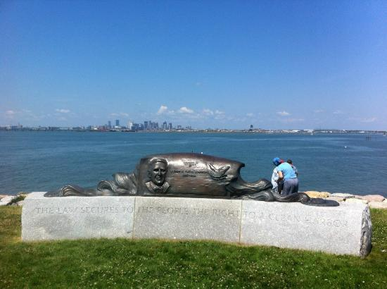 Deer Island HarborWalk: Boston View