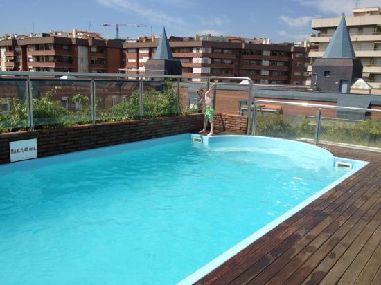 The Top Floor Swimming Pool Picture Of Senator Barcelona Spa Hotel Barcelona Tripadvisor
