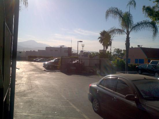 Days Inn San Bernardino Near San Manuel Casino: the panoramic view of the foothills