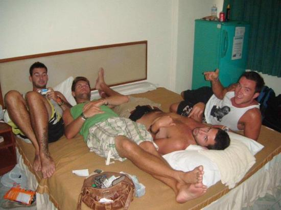 My Thai Guest House: Re-uniting in one of our rooms, before getting amongst the Bangla.