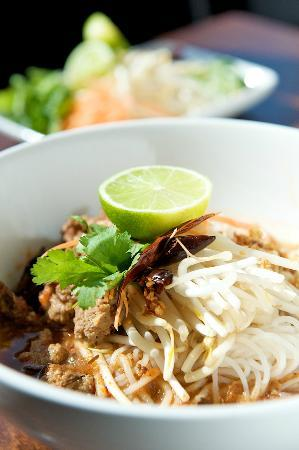 Chaam : thai boat beef soup noodles