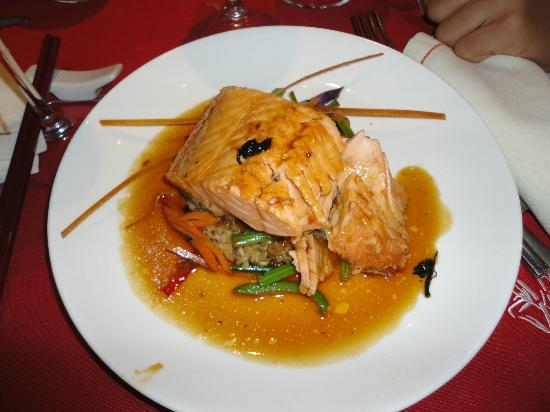 Viva Wyndham Azteca: Salmon at Bamboo - excellent