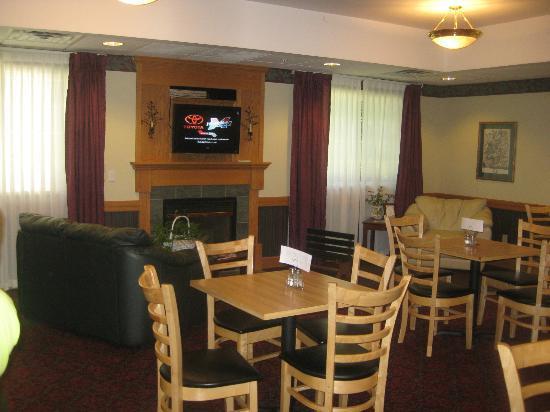 Dollinger's Inn & Suites: Breakfast Nook 