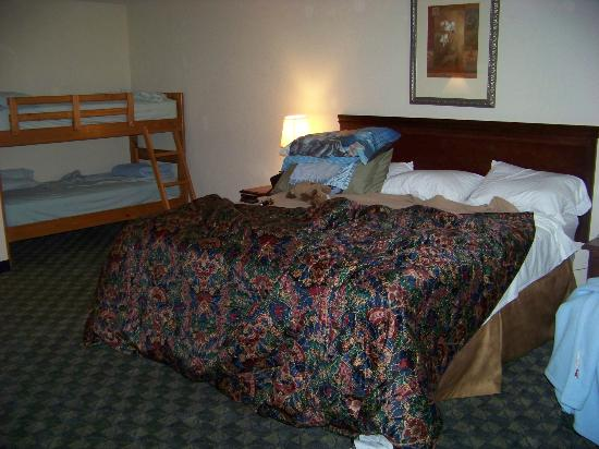 Castle Rock Resort & Waterpark: bed arrangements