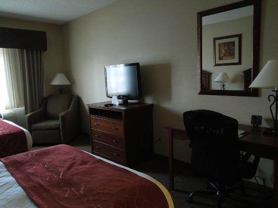‪‪Comfort Suites Golden West on Evergreen Parkway‬: Bedroom