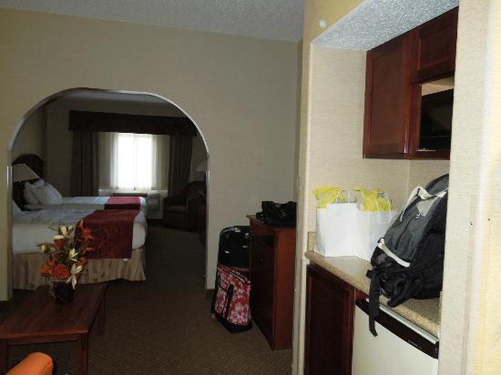 Comfort Suites Golden West on Evergreen Parkway: Living room