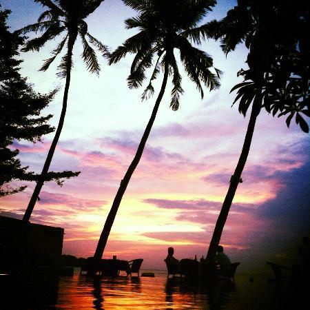 Punnpreeda Beach Resort : Sunset
