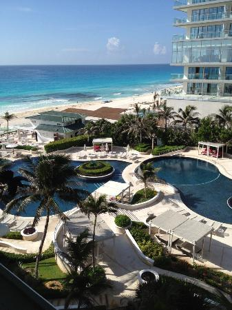 Sandos Cancun Luxury Resort: Room with a view.