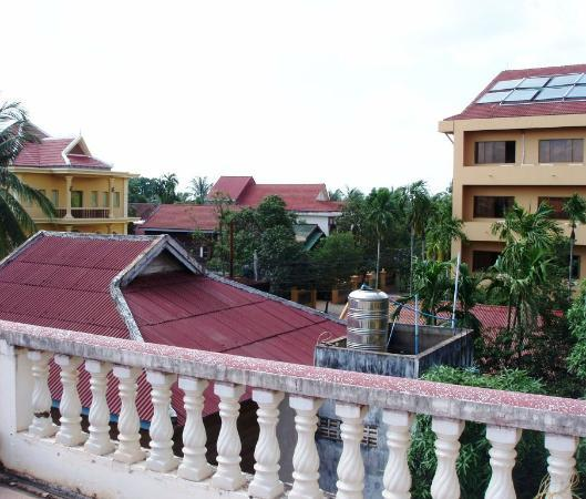 Watery Fowls Guesthouse: View from Rooftop Terrace